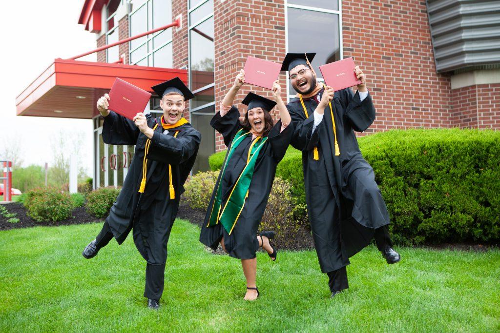 Spring Graduation 2020.Graduation Applications Due For All Spring Summer 2020